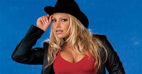 a webof 4 letters about trish stratus naked jpg 1200x630